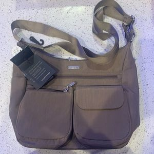 Everywhere Bagg by Baggallini
